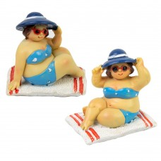 Fat Ladies Sitting on Towels, red, 7cm, 2 assorted