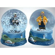 Fishermen Snowglobe, 9cm, 2 assorted